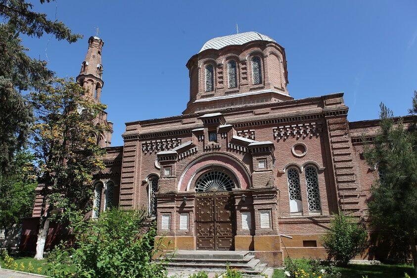 азербайджанцы мусульмане или христиане