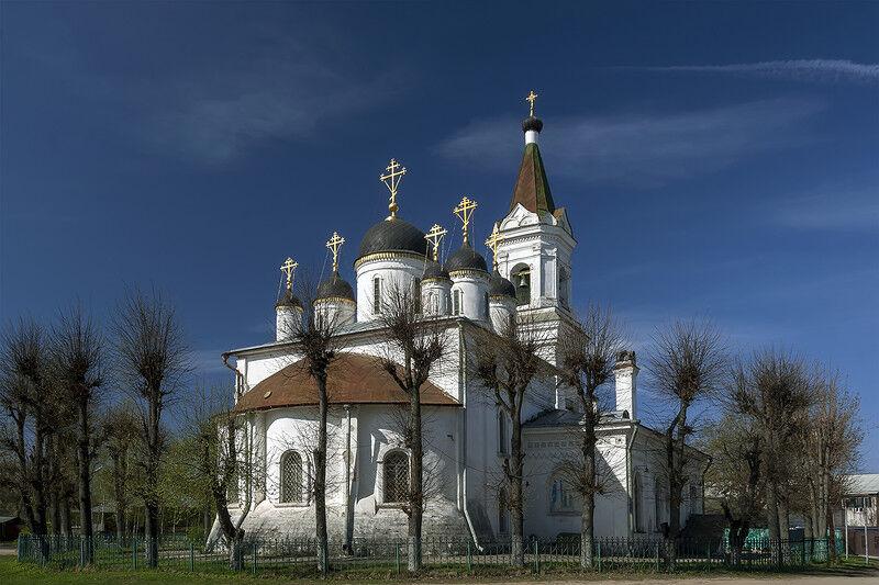 церковь белая троица в твери