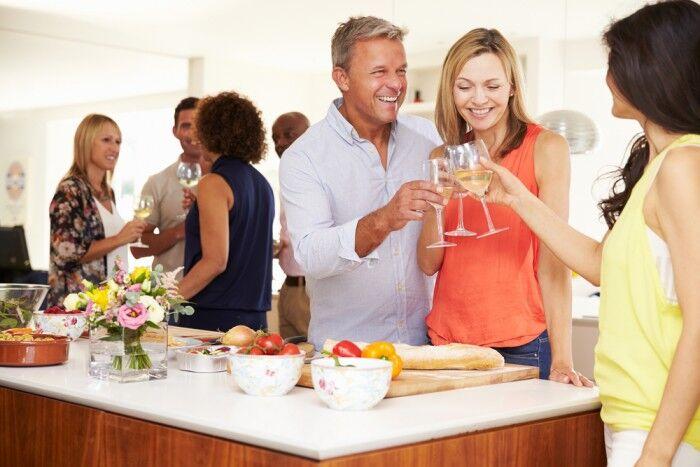 7 советов, как приготовить ужин для гостей в последнюю минуту