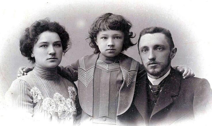 интересные факты из жизни шмелева ивана сергеевича