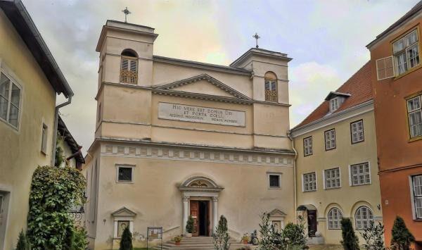 церковь яани кирик