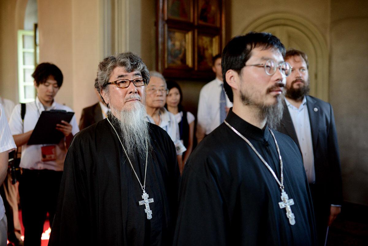 большинство верующего населения японии исповедует