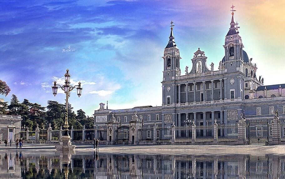 Собор Альмудена - главная церковь Мадрида - Испания » GlobeTrotter