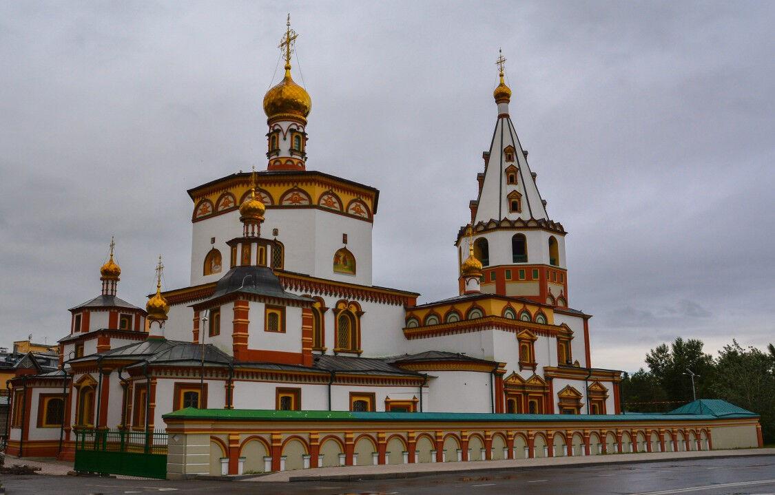 церковь на нижней набережной