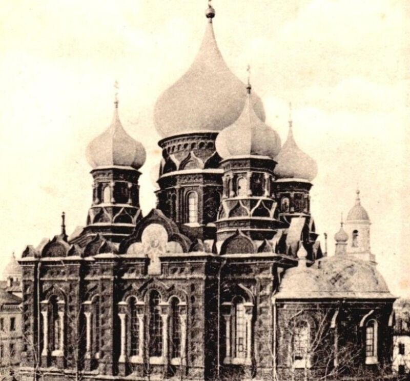 храм на площади ленина