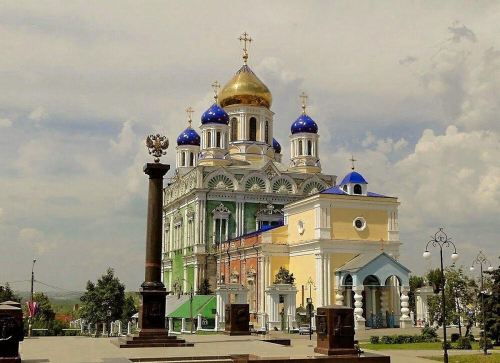 Фото Вознесенский собор и Красная площадь Ельца | Елец, Россия | Турпром