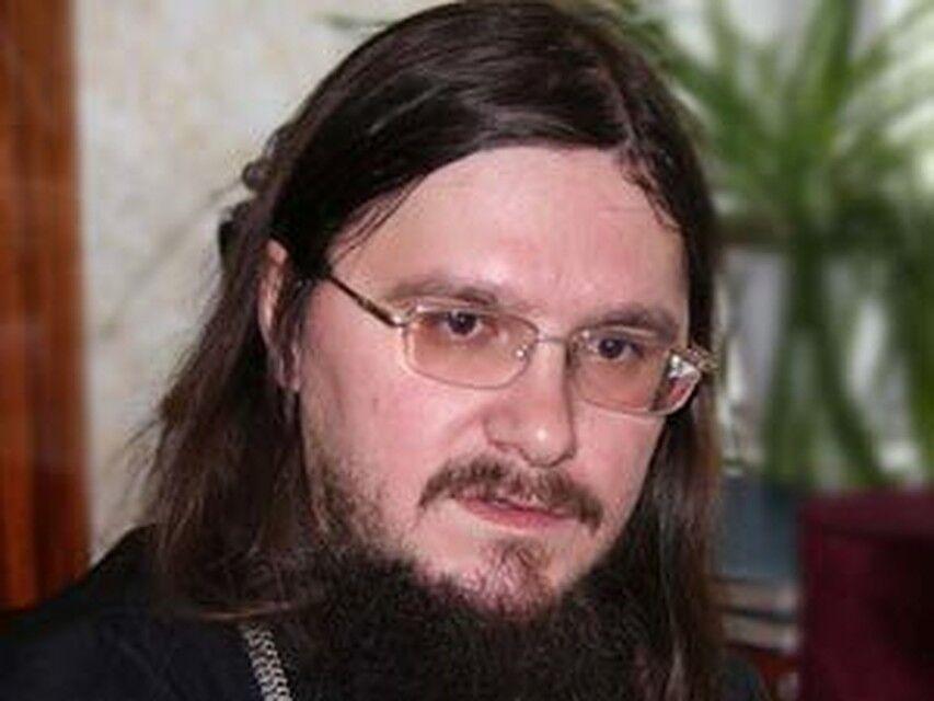 Послать убийцу могли те, кто ЗНАЛ, что в убийстве Даниила Сысоева ...