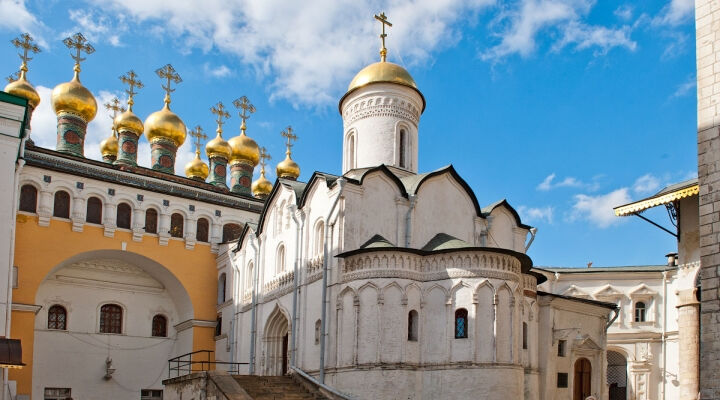 церковь в ботаническом саду в москве