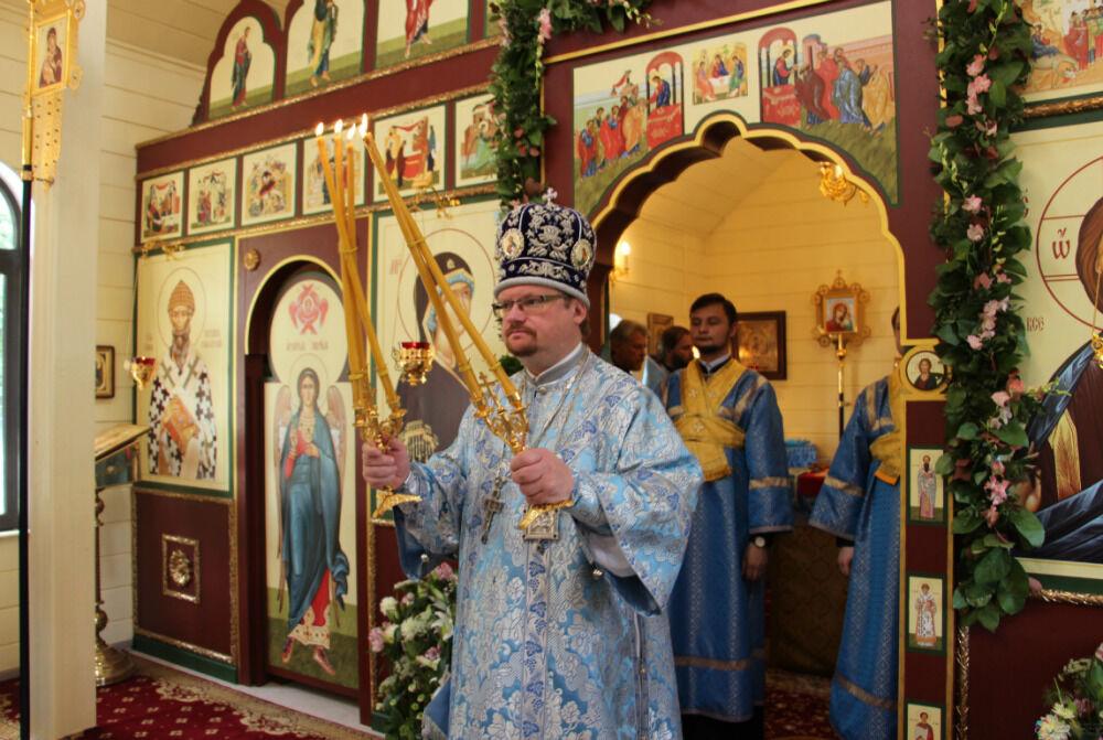 Епископ Выборгский и Приозерский Игнатий совершил Божественную ...