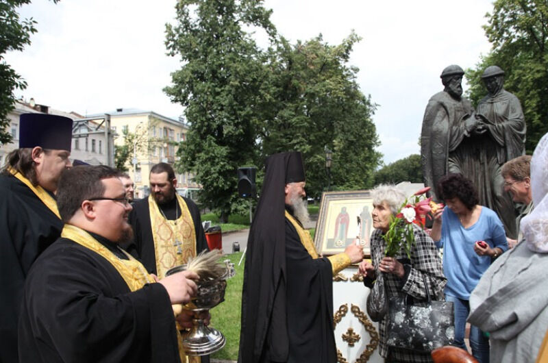 молебен благоверным князьям Петру и Февронии