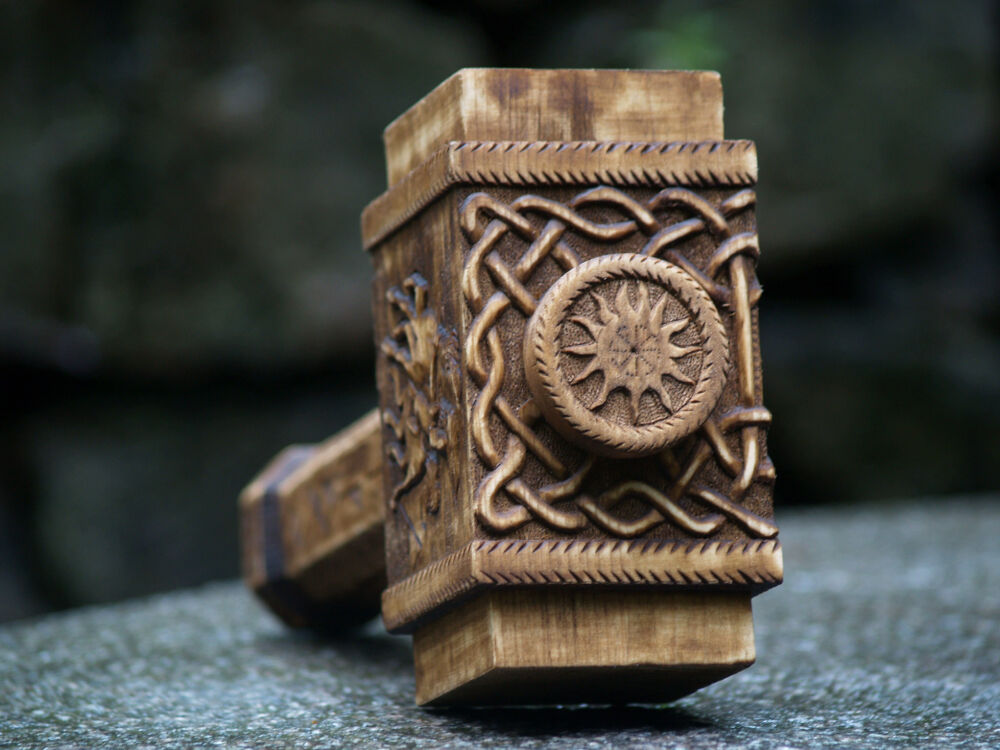 Hammer » Blog Archive » Pagan Studio Yarinka