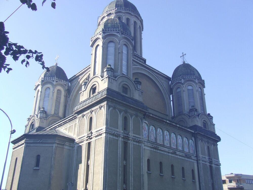 File:Satu Mare Greek Catholic Cathedral 1.JPG - Wikimedia Commons