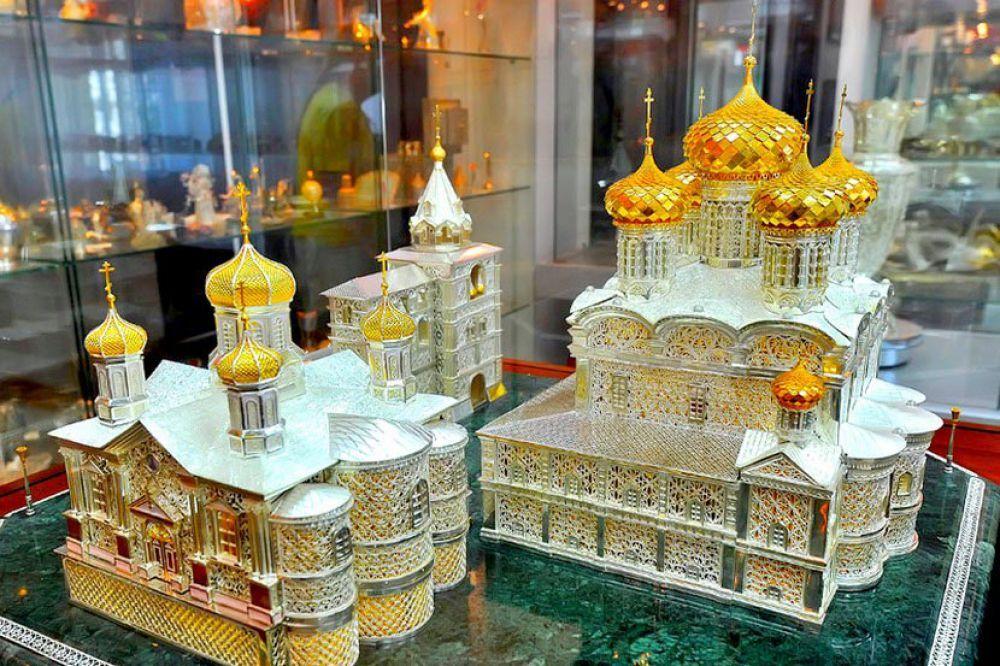 В Музее ювелирного искусства открывается выставка «Государыня ...