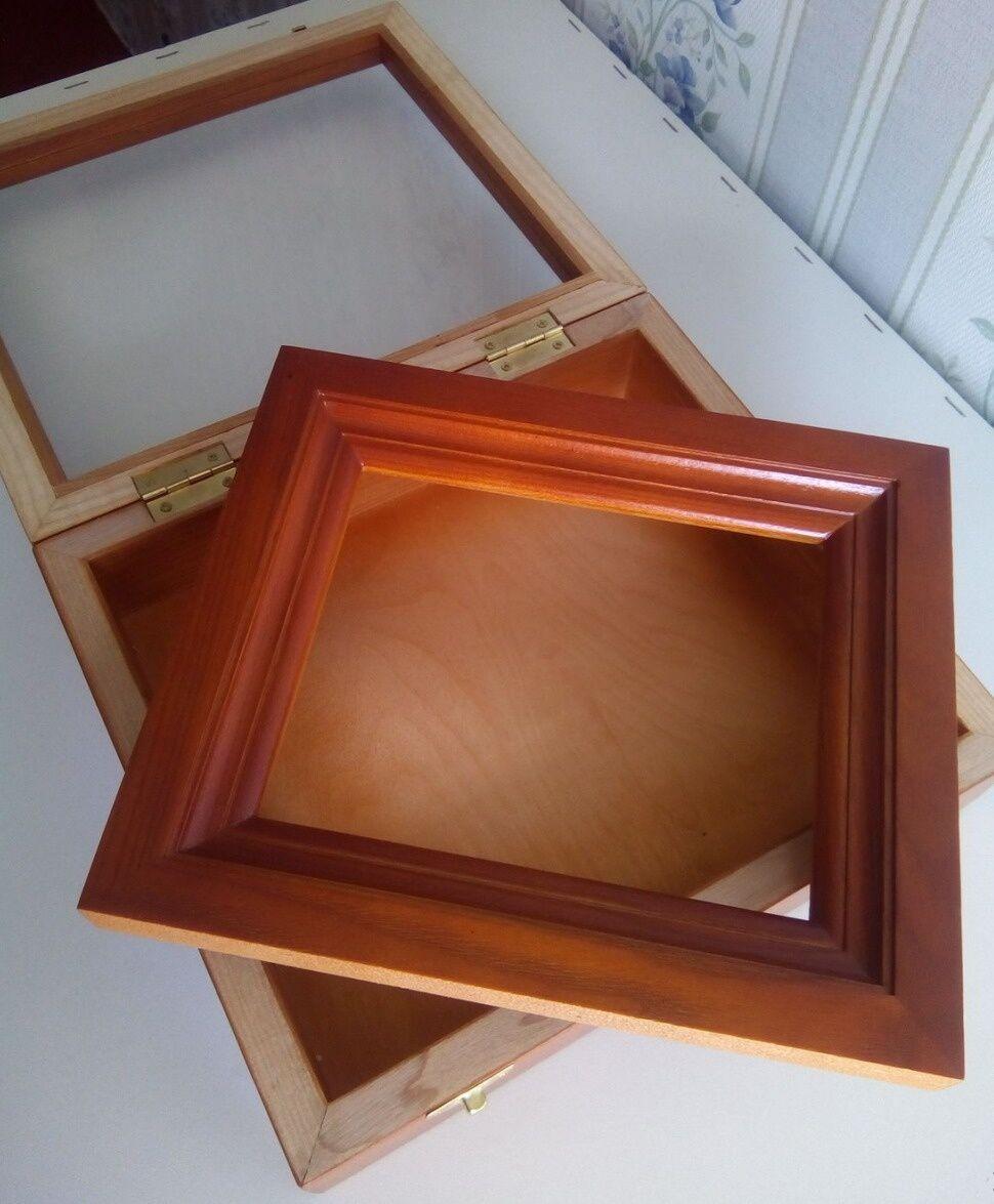 икона в деревянном киоте