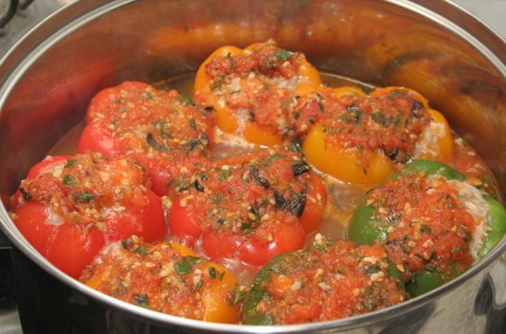 Перец, фаршированный мясом и овощами - пошаговый рецепт с фото на ...
