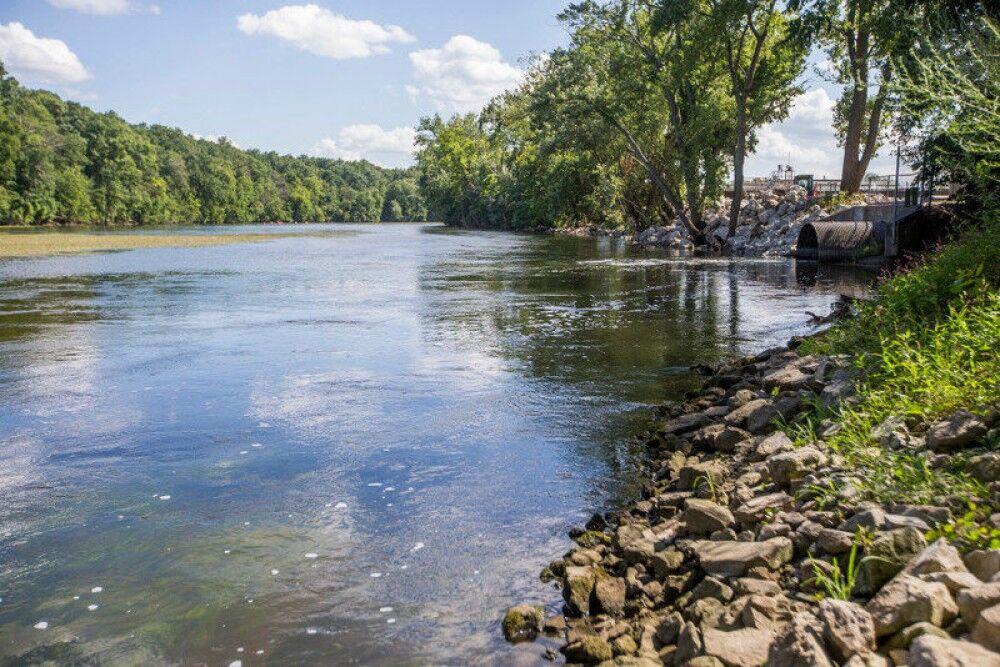 В нижнем течении реки Кура наблюдается понижение уровня воды ...