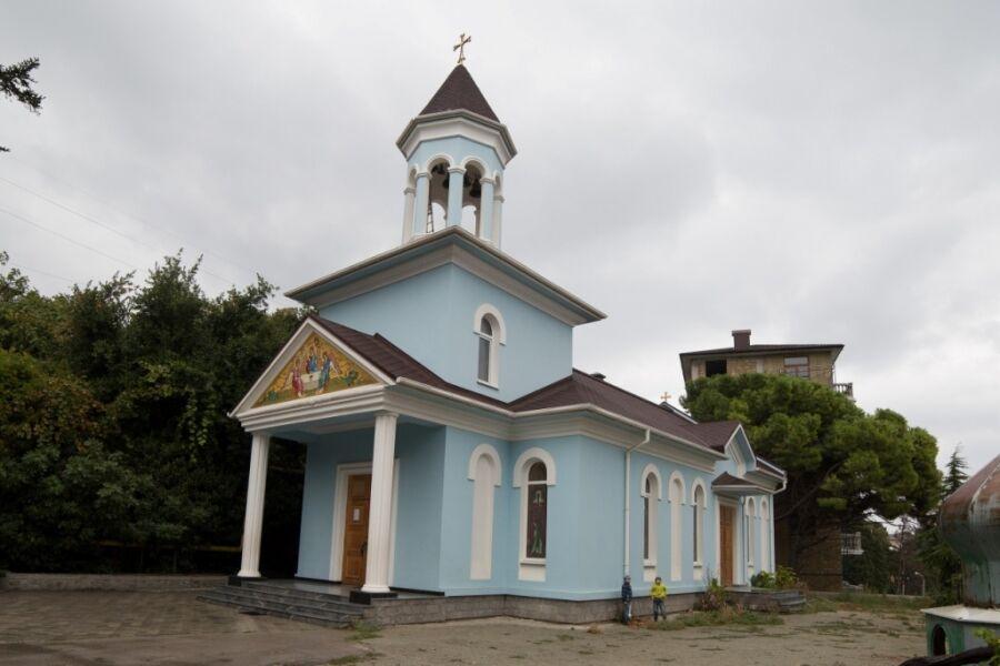Храм святой Нины и Преображения Господня
