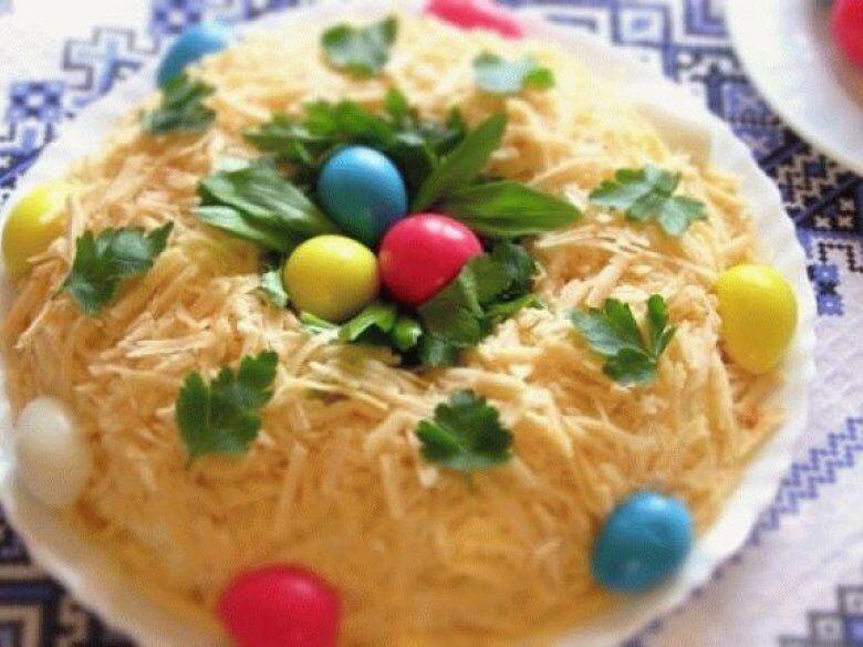 Рецепт Салат пасхальный венок с мясом