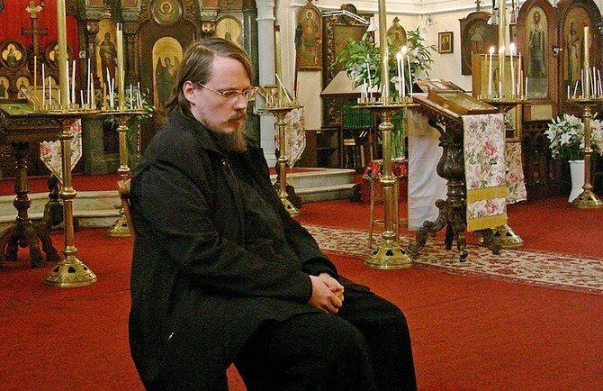 Священнослужитель Георгий Максимов в Каннах